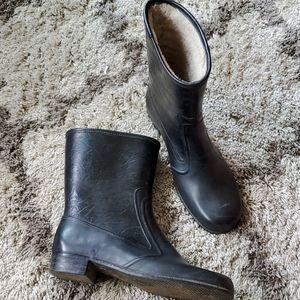 Vintage 1950s rain boots